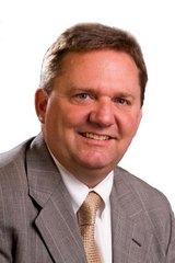 Kurt J Lamping