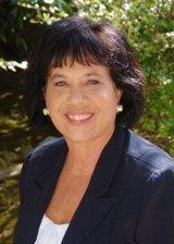 Laurie                    Petruzzi Real Estate Agent