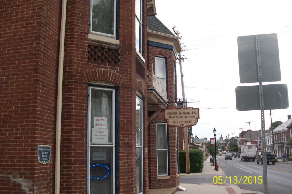 Charles Reed Taneytown Md Real Estate Agent Realtorcomar Country Kitchen