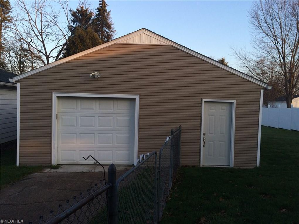 3713 Orchard St, Mogadore, OH 44260