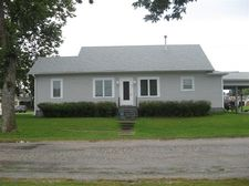 821 Orchard St, Donnellson, IA 52625