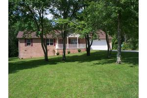 495 Stonecrest Loop, Crossville, TN 38571