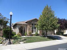 5821 Palmera Ln, Sacramento, CA 95835