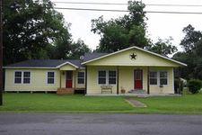 210 W Herring St, Sour Lake, TX 77659