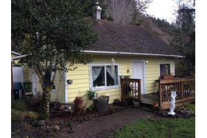 30 E Risley Creek Rd, Tidewater, OR 97390