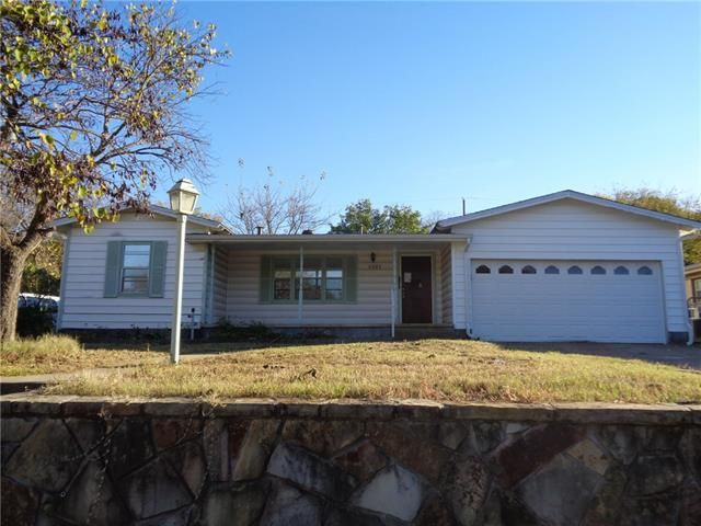 1321 W Water St Weatherford, TX 76086