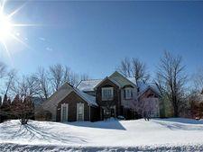 4476 Castlewood Dr, Auburn Hills, MI 48326