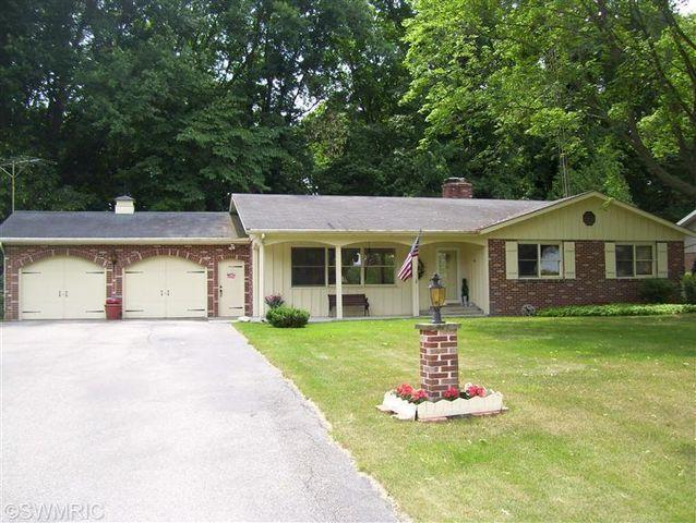 3063 Bluffwood Pl, Saint Joseph, MI