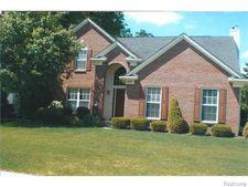 2248 Forest Hills Dr, Orion Township, MI 48359
