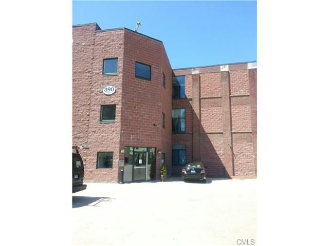 390 Charles St Apt 105, Bridgeport, CT 06606 Main Gallery Photo#1