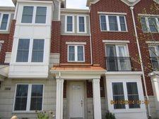 2234 S Crambourne Way, Arlington Heights, IL 60005