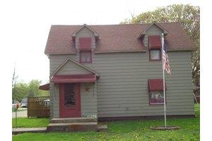 413 N Oak, Windsor, IL 62565