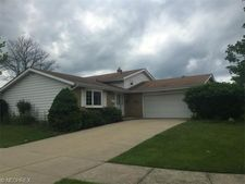 3801 Stary Dr, Parma, OH 44134