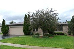 651 Princeton Ln, New Lenox, IL 60451