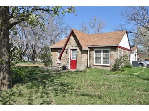 517 W Gay St Warrensburg Mo 64093 Realtor Com 174