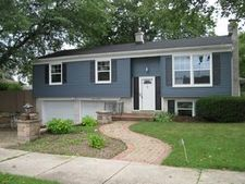 745 Imperial Dr, Racine, WI 53402