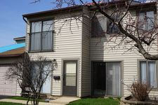 6370 Hathaway Ln, Downers Grove, IL 60516
