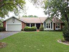 5 Laurel Oaks Ct, Lake Saint Louis, MO 63367
