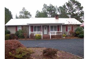 139 Edgewater Dr, West End, NC 27376