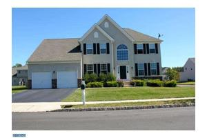 27 Torbet Rd, Hillsborough, NJ 08844