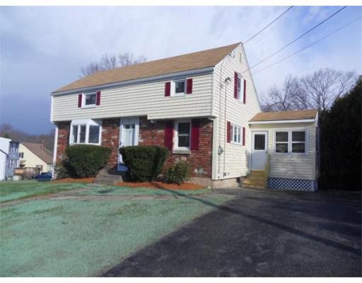 31 Chestnut Hill Rd, North Oxford, MA 01537