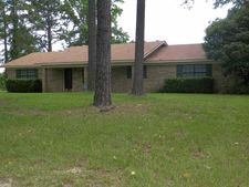 10580 Sycamore St, Overton, TX 75684