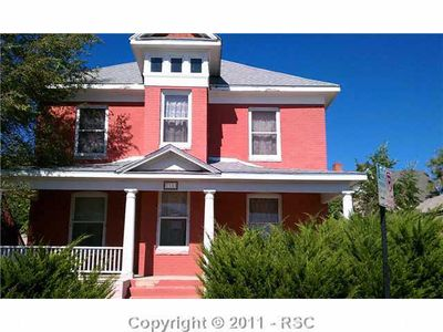 411 W 8th St, Pueblo, CO