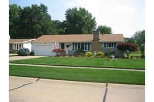 26937 Elizabeth Ln, Olmsted Township, OH 44138