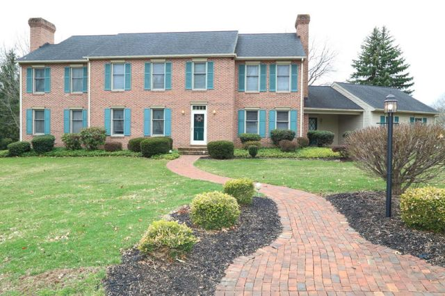 530 Northlawn Dr, Lancaster, PA