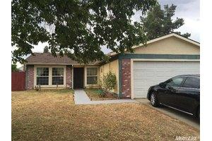 5325 Bamford Dr, Sacramento, CA 95823
