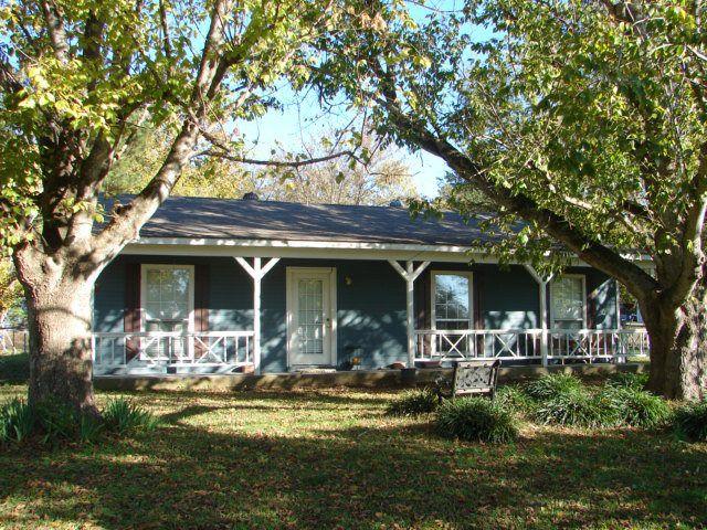 115 Cottonwood Dr, Vicksburg, MS 39180