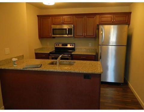25 W Main St Unit 206, Westborough, MA 01581