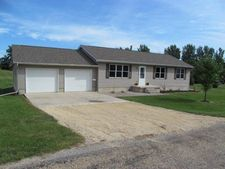 210 North St, Wheatland, IA 52777