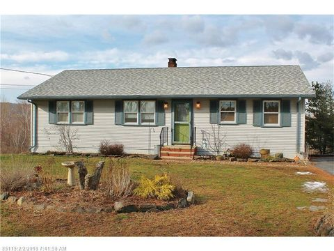 696 Old County Rd, Rockland, ME 04841