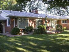 1534 N Evangeline St, Dearborn Heights, MI 48127