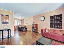 225 Cherry Ave, Woodbury Heights, NJ 08097