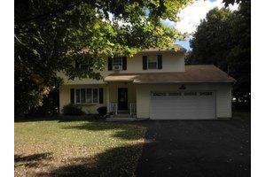 206 Warner Dr, Saylorsburg, PA 18353