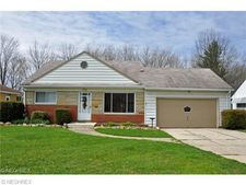 4438 W Ranchview Ave, North Olmsted, OH 44070