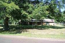135 Madison Dr, Longview, TX 75603