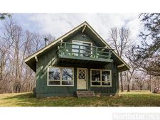 266 Cove Ln, Troy Twp, WI 54016