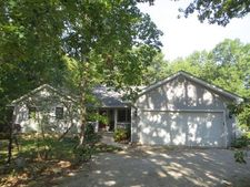 21681 Coyote Hills Dr, Perry, MO 63436
