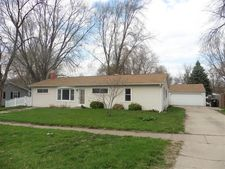 4816 Claire St, Crystal Lake, IL 60014