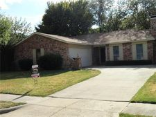 3201 Willow Bend Dr, Bedford, TX 76021