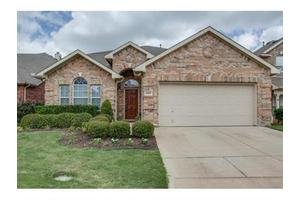 6907 Shore Breeze Ct, Arlington, TX 76016