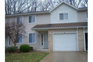 150 Indian Ridge Cir, Michigan City, IN 46360