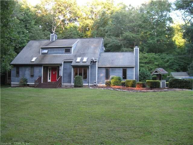 67 Standish Rd, Colchester, CT