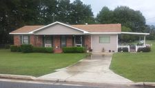 905 Peeples Ave, Nashville, GA 31639