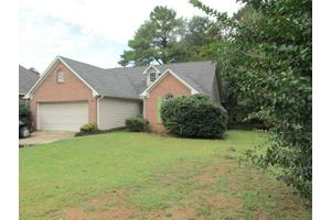39 Thoroughbred Ln, Cartersville, GA 30120