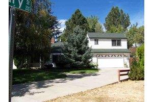 916 Angus St, Carson City, NV 89703