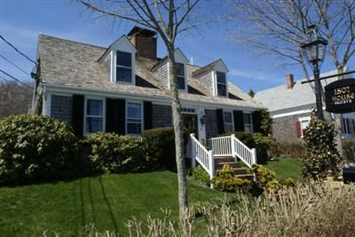 54 Commercial St, Provincetown, MA